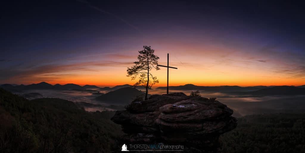 Pano 1 - Morgendämmerung Rötzensteinpfeiler