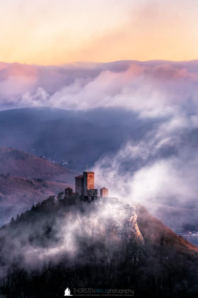 Trifels im Nebel #2
