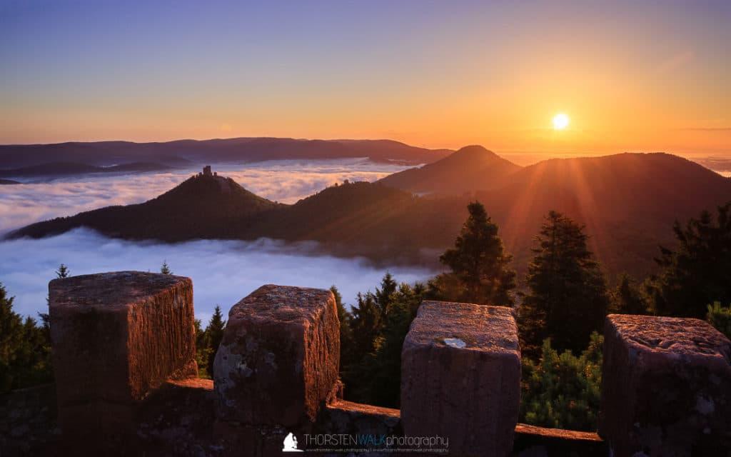Sonnenaufgang ueber Annweiler